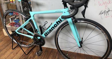 人気サングラス NRC入荷!! & ビアンキ カーボンロードバイク【スプリント105仕様】。