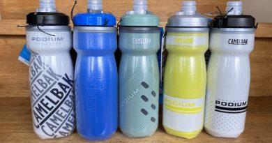 フィジーク ショートノーズサドル試乗用あります。 & 人気保冷ボトルと各メーカー ウェア入荷!!